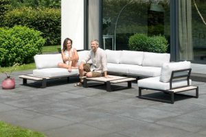 4 Seasons Outdoor Duke loungeset hoekbank met teak bijzettafel