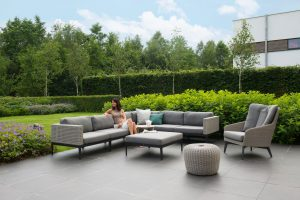 4 Seasons Outdoor Triana loungeset hoekbank met 4 Seasons Outdoor luxor loungestoel en 4 Seasons Outdoor donut